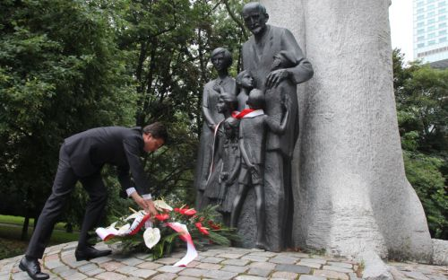 Marek Michalak złożył kwiaty pod pomnikiem Janusza Korczaka
