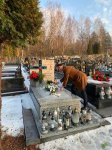 Rzecznik złożył kwiaty na grobie zabitej misjonarki